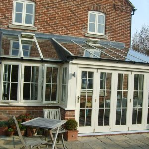Cream Lean-to conservatory
